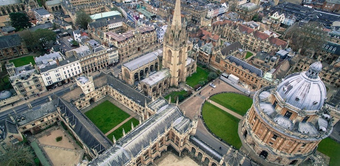 Exam blunder sees Oxford University law students given wrong criminal paper - Legal Cheek